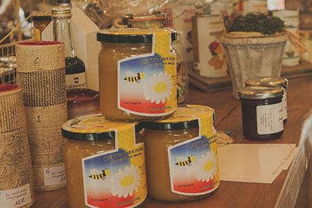 Honig der Bungsberg Imkerei - Lunaus Hofcafé